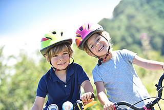 Kinder rauf auf's Rad