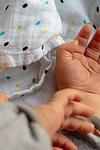 Kinderheldin mit Online-Hebammenberatung
