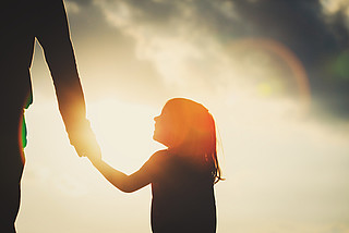 Sorgerechtssteit – Mehr Rechte für leibliche Väter