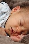 Abendroutine und erholsamer Schlaf für Babys und Eltern