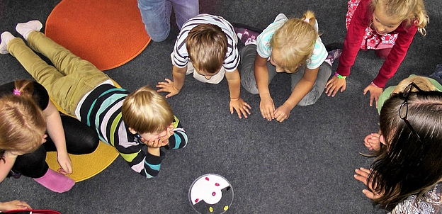 Zum Wohl des Kindes: Kitas und Eltern Hand in Hand
