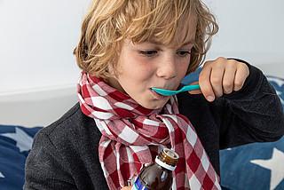 Arzneimittel für Kinder – auf die richtige Dosierung achten