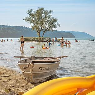 Spritziger Sommerurlaub an See und Küste