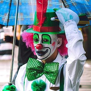 Sieben kuriose Karnevalsbräuche weltweit