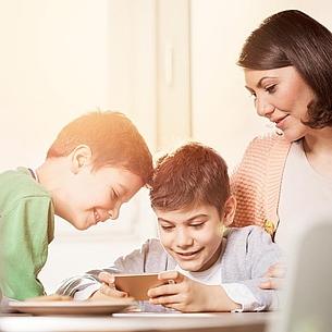 Zu Hause wegen Corona: Sinnvolle Mediennutzung für Kinder